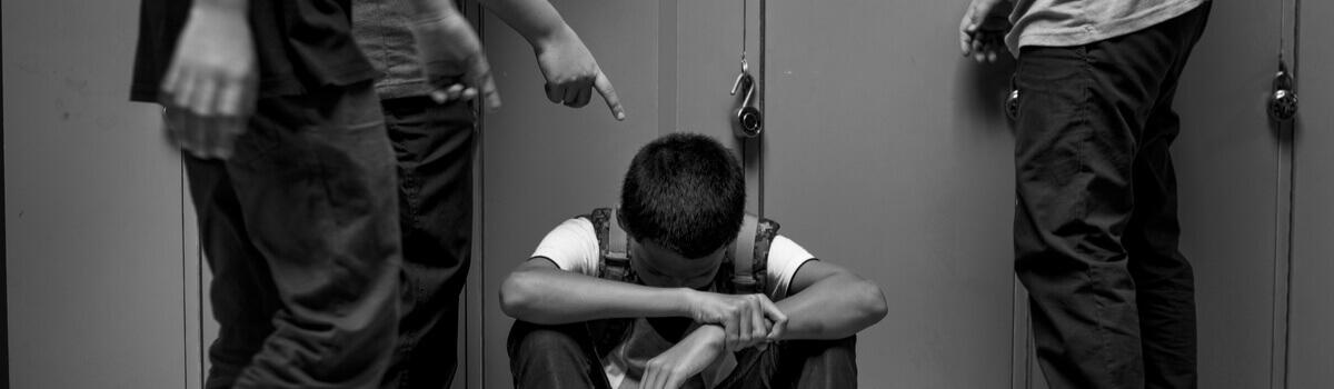 ενδοσχολικη-βια-bullying-ereunitis