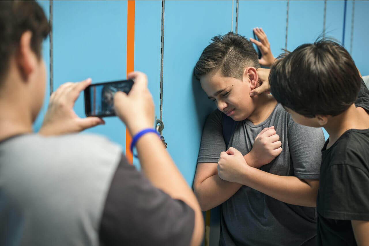 Τι είναι ο Σχολικός Εκφοβισμός -Ενδοσχολική Βία - Εκφοβισμός - Bullying - Ιδιωτικά Γραφεία Ντετέκτιβ Χριστοδούλου